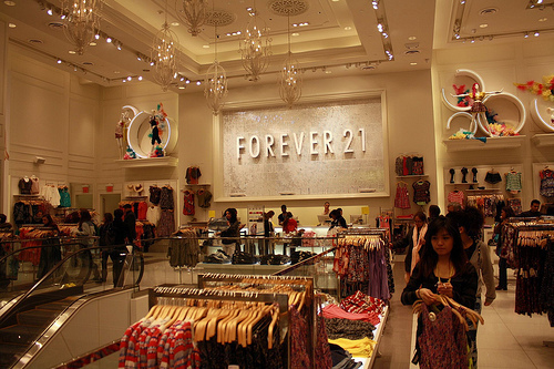 5 Tips To Shop At The Fashionable Store Forever 21