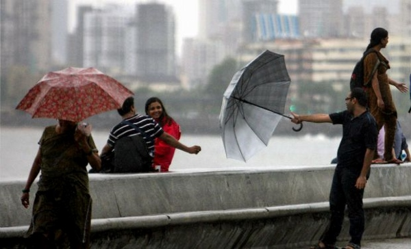 Mumbai Monsoon Images  (8)